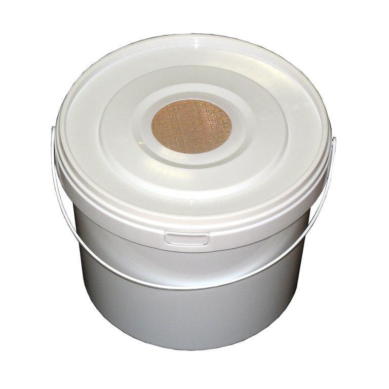 futtereimer 5 liter mit deckel plastik graze imkershop. Black Bedroom Furniture Sets. Home Design Ideas